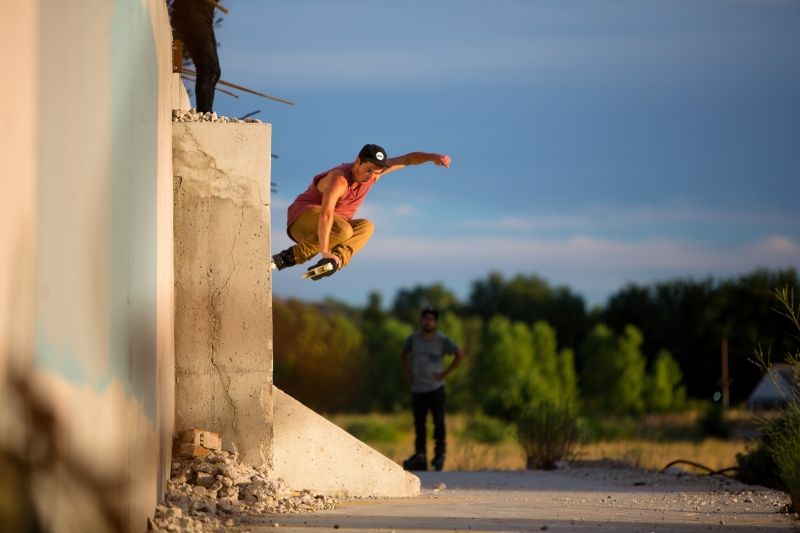 Alex Bass-Roll to One Foot Wallride